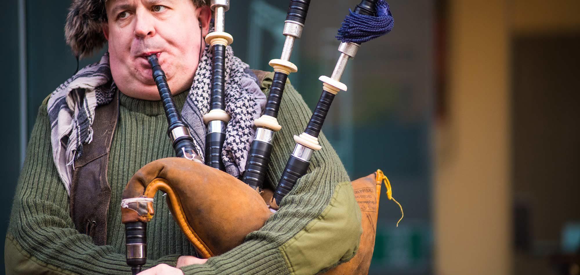bagpipe scotland roadtrip sir edwards