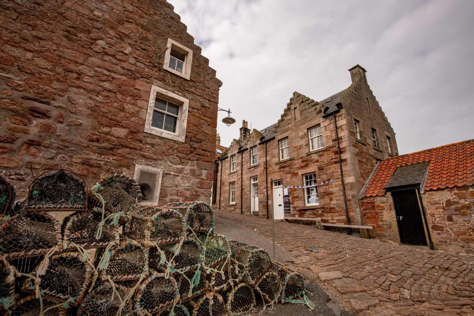 a-lobster-on-the-port-of-crail-sir-edwards-roadtrip