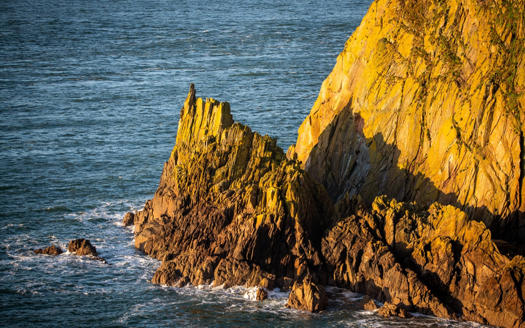 mull-of-galloway-the-road-paved-with-gold-sir-edwards-roadtrip