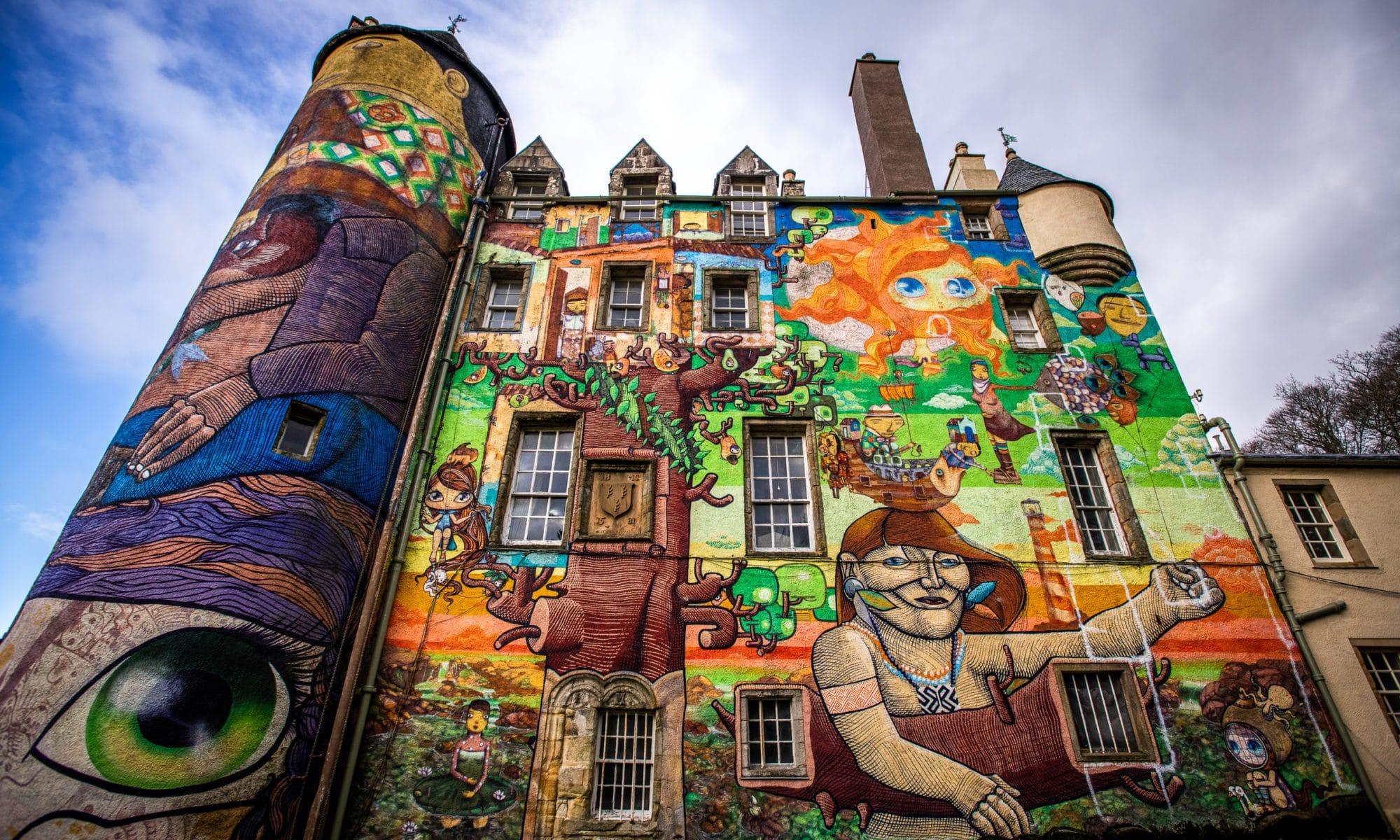 kelburn-castle-the-graffiti-castle-sir-edwards-roastrip