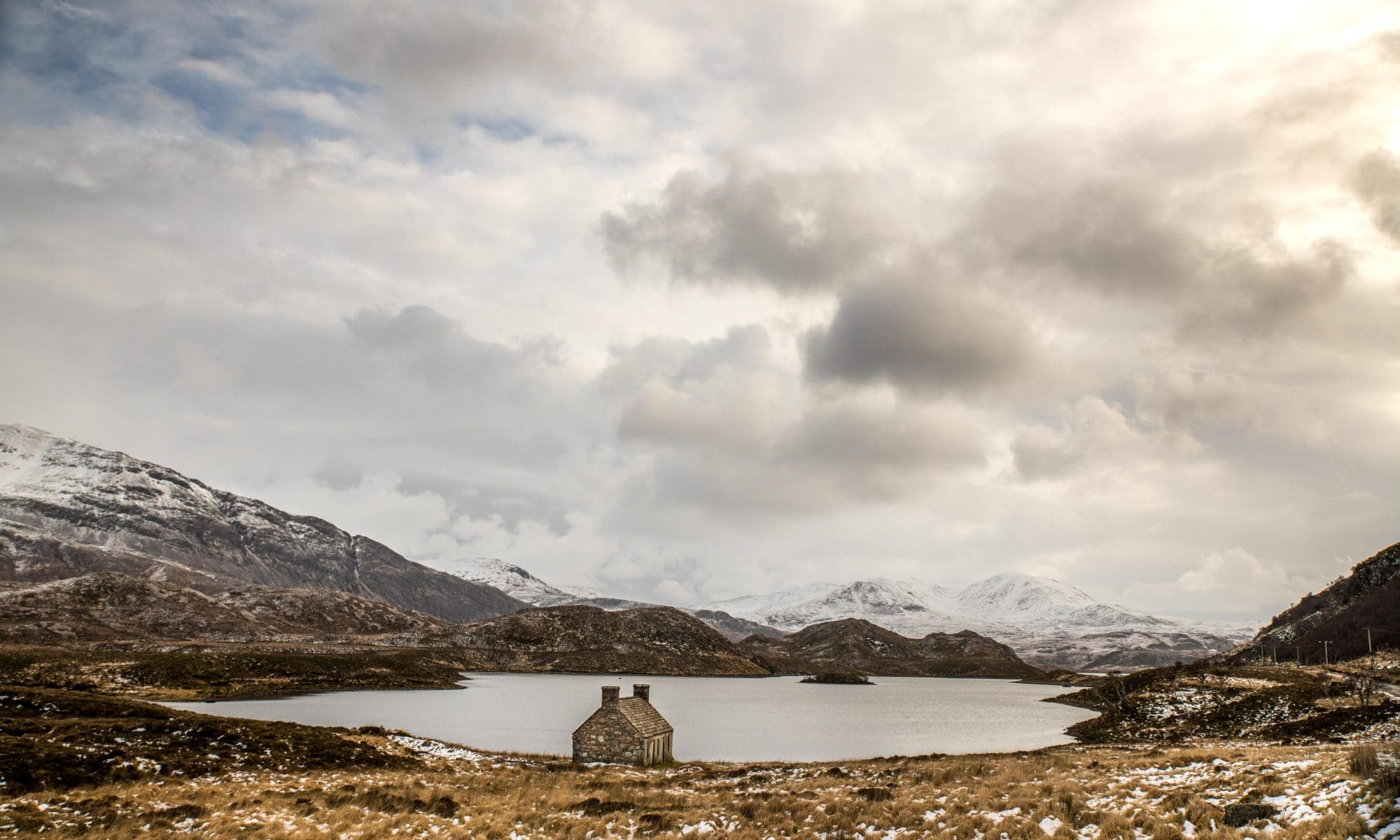 the-little-house-on-the-banks-of-the-loch-sir-edwards-roadtrip