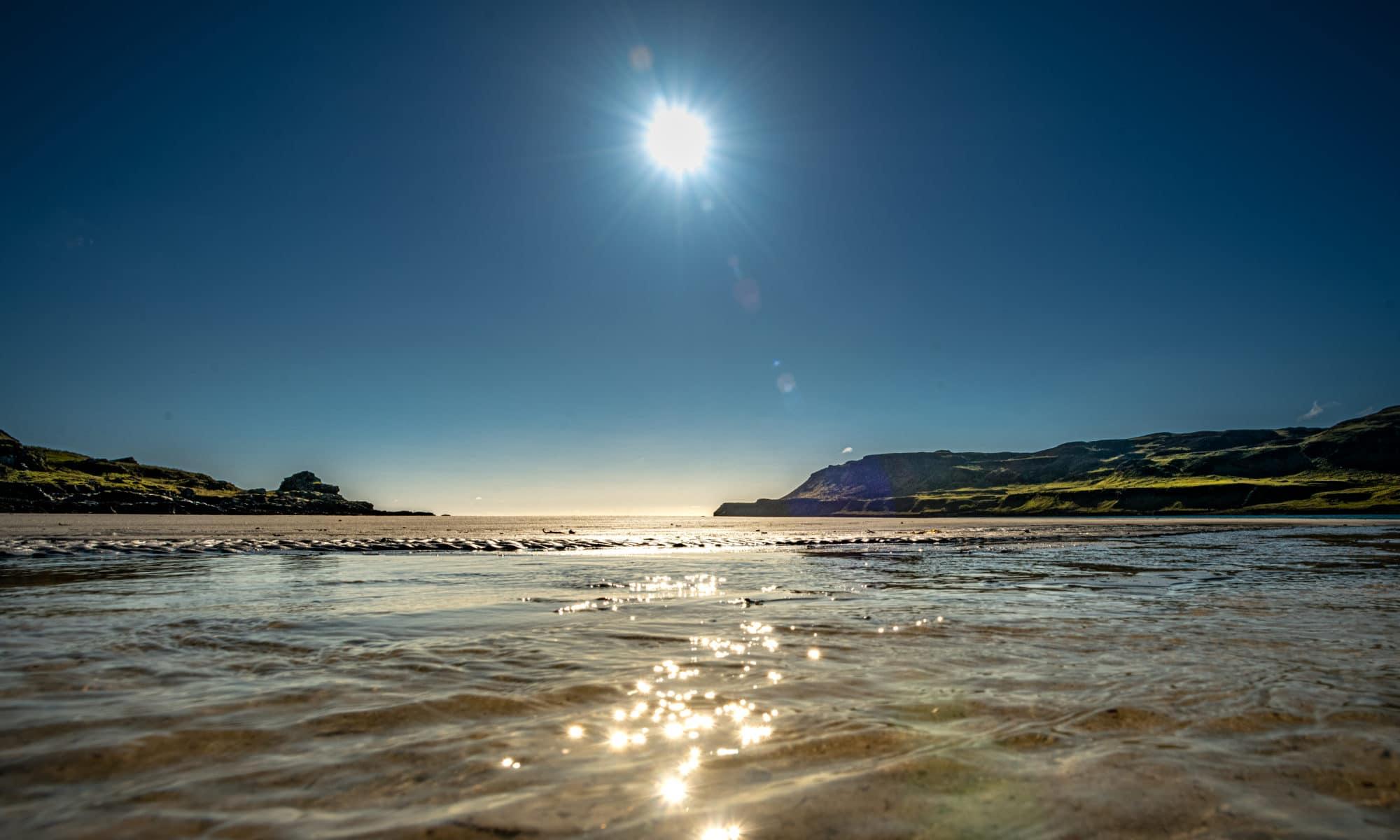 sunset-on-calgary-beach-sir-edwards-roadtrip