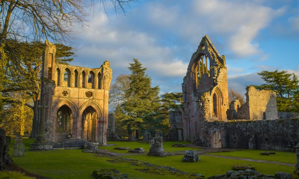 dryburgh-abbey-the-peaceful-sir-edwards-roadtrip